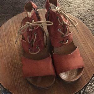 Miz Mooz women's leather sandal.